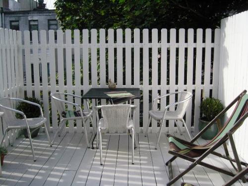 White deck 1
